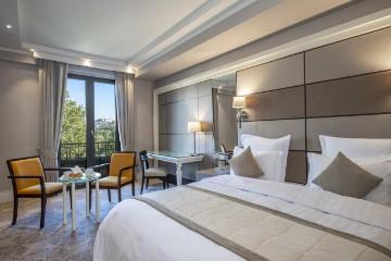 فندق أمباسادوري تبليسي Ambassadori Tbilisi Hotel
