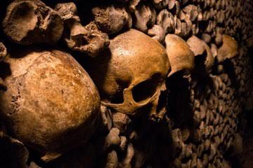 سراديب الموتى في باريس Catacombs of Paris